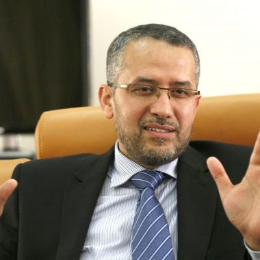 الشوباني: لن نتعامل مع تنظيمات غير ديمقراطية لرجال الأعمال