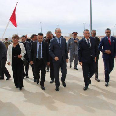 الرشيدية:والي جهة درعة تافيلالت يشرف على تشغيل المحطة الجوية الجديدة بمطار مولاي علي الشريف