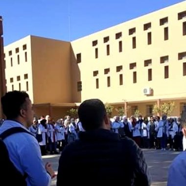 الرشيدية:الاساتذة المتعاقدون المتدربون يخرجون للإحتجاج