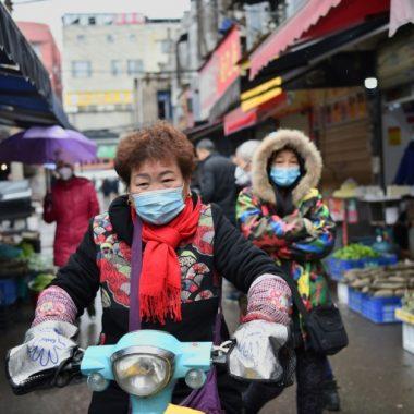 الصين تعزل ملايين الأشخاص لمكافحة فيروس كورونا..